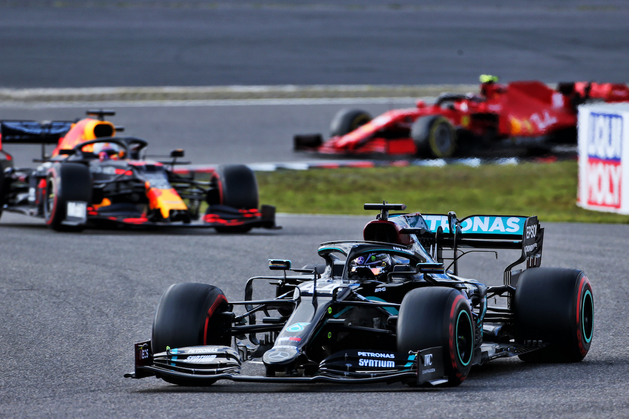 GP EIFEL, Lewis Hamilton (GBR) Mercedes AMG F1 W11. 11.10.2020. Formula 1 World Championship, Rd 11, Eifel Grand Prix, Nurbugring, Germany, Gara Day. - www.xpbimages.com, EMail: requests@xpbimages.com © Copyright: Batchelor / XPB Images