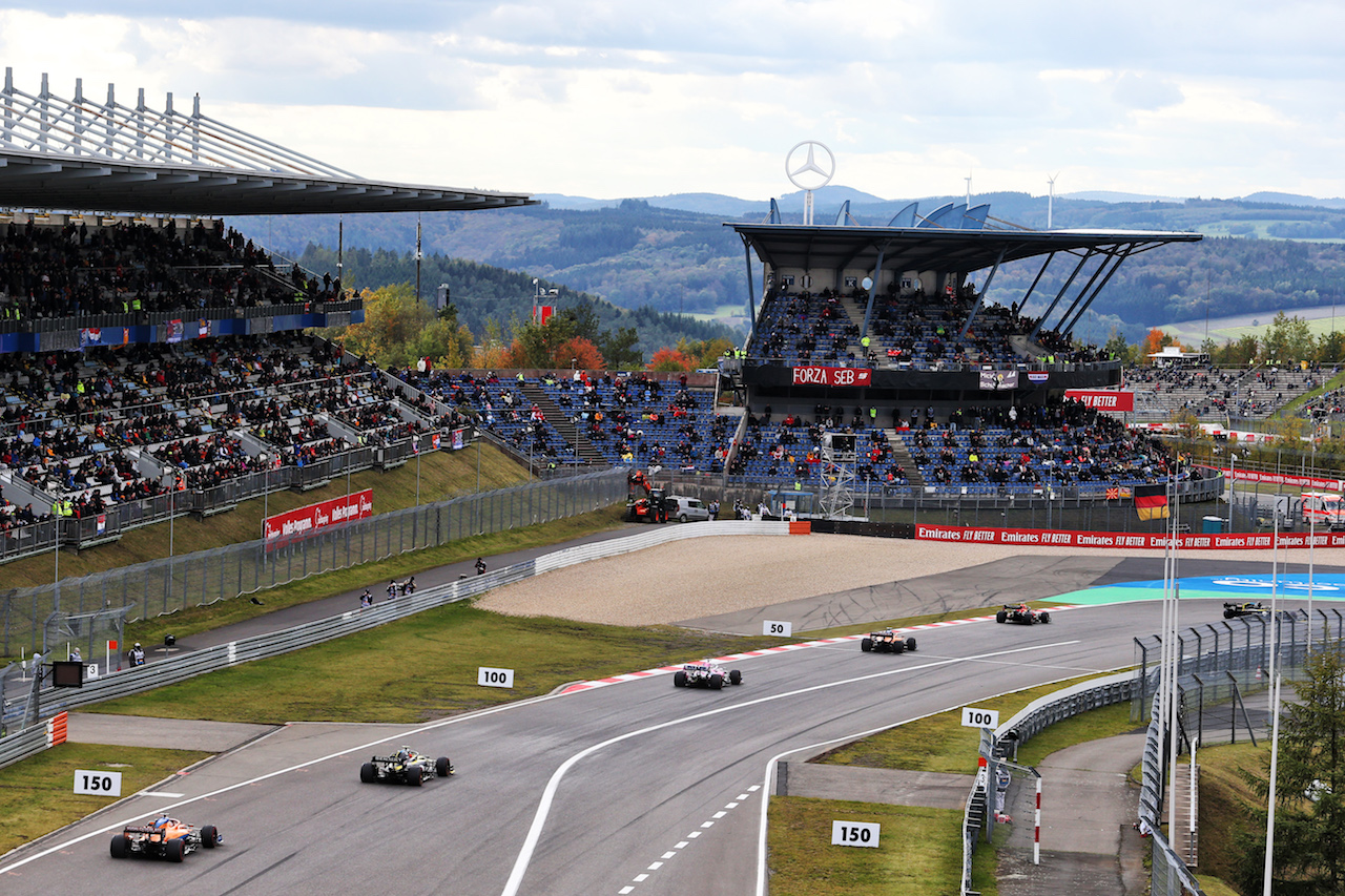 GP EIFEL, Carlos Sainz Jr (ESP) McLaren MCL35. 11.10.2020. Formula 1 World Championship, Rd 11, Eifel Grand Prix, Nurbugring, Germany, Gara Day. - www.xpbimages.com, EMail: requests@xpbimages.com © Copyright: Moy / XPB Images