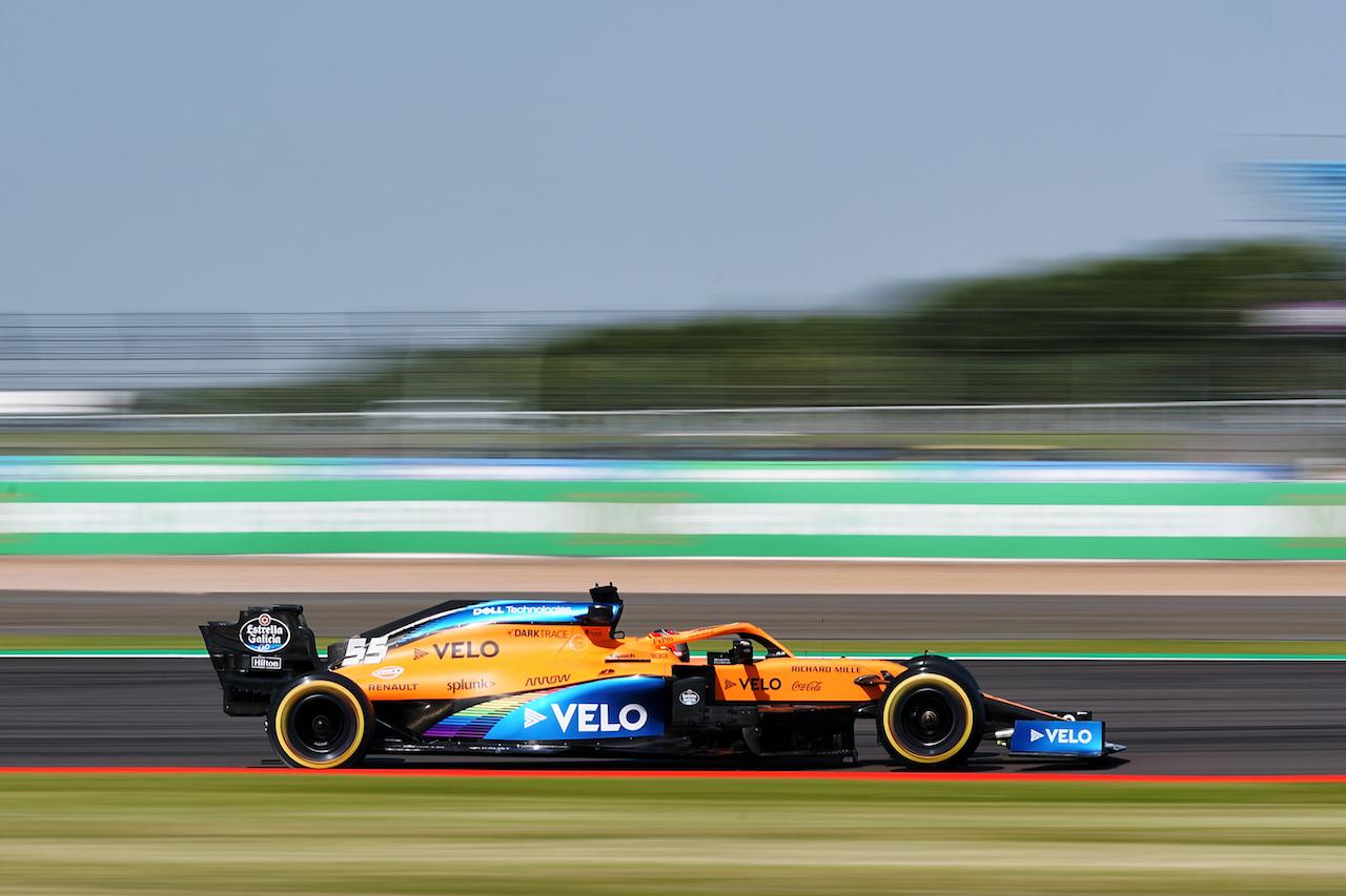 GP GRAN BRETAGNA, Carlos Sainz Jr (ESP) McLaren MCL35.                                31.07.2020. Formula 1 World Championship, Rd 4, British Grand Prix, Silverstone, England, Practice Day. - www.xpbimages.com, EMail: requests@xpbimages.com © Copyright: Dungan / XPB Images