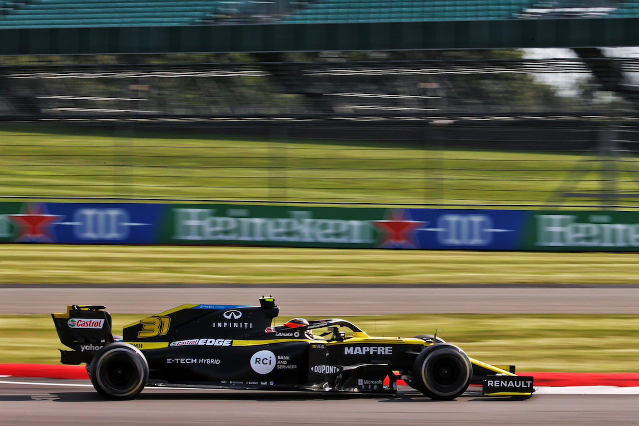 GP GRAN BRETAGNA, Esteban Ocon (FRA) Renault F1 Team RS20. 31.07.2020. Formula 1 World Championship, Rd 4, British Grand Prix, Silverstone, England, Practice Day. - www.xpbimages.com, EMail: requests@xpbimages.com © Copyright: Batchelor / XPB Images