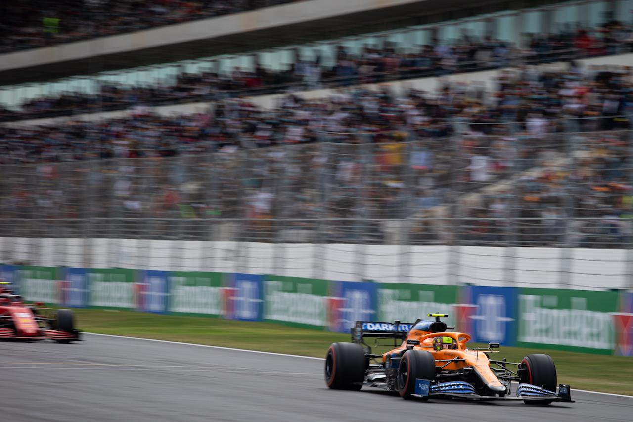 GP PORTOGALLO, Lando Norris (GBR) McLaren MCL35. 25.10.2020. Formula 1 World Championship, Rd 12, Portuguese Grand Prix, Portimao, Portugal, Gara Day. - www.xpbimages.com, EMail: requests@xpbimages.com © Copyright: Bearne / XPB Images