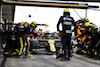 GP PORTOGALLO, Esteban Ocon (FRA) Renault F1 Team RS20 makes a pit stop. 25.10.2020. Formula 1 World Championship, Rd 12, Portuguese Grand Prix, Portimao, Portugal, Gara Day. - www.xpbimages.com, EMail: requests@xpbimages.com © Copyright: Moy / XPB Images