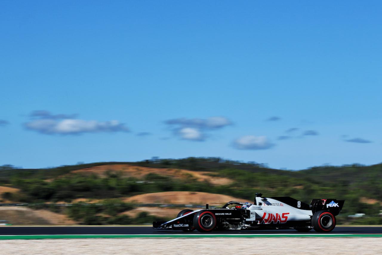 GP PORTOGALLO, Romain Grosjean (FRA) Haas F1 Team VF-20. 24.10.2020. Formula 1 World Championship, Rd 12, Portuguese Grand Prix, Portimao, Portugal, Qualifiche Day. - www.xpbimages.com, EMail: requests@xpbimages.com © Copyright: Batchelor / XPB Images