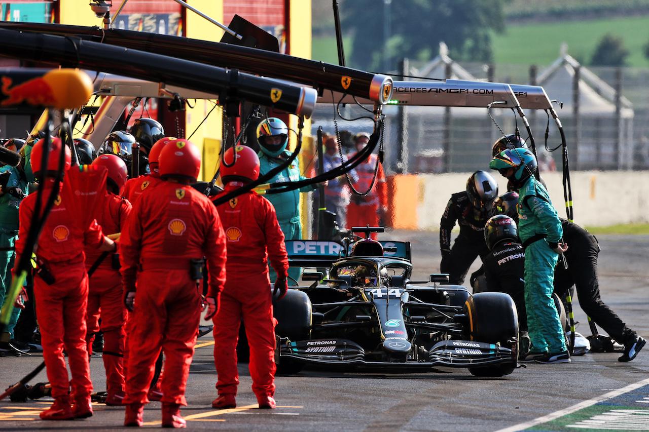 GP TOSCANA FERRARI 1000, Lewis Hamilton (GBR) Mercedes AMG F1 W11 makes a pit stop. 13.09.2020. Formula 1 World Championship, Rd 9, Tuscan Grand Prix, Mugello, Italy, Gara Day. - www.xpbimages.com, EMail: requests@xpbimages.com © Copyright: Moy / XPB Images