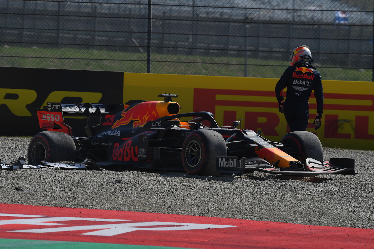 GP TOSCANA FERRARI 1000, Max Verstappen (NLD) Red Bull Racing RB16 crashed out of the race. 13.09.2020. Formula 1 World Championship, Rd 9, Tuscan Grand Prix, Mugello, Italy, Gara Day. - www.xpbimages.com, EMail: requests@xpbimages.com © Copyright: FIA Pool Image for Editorial Use Only