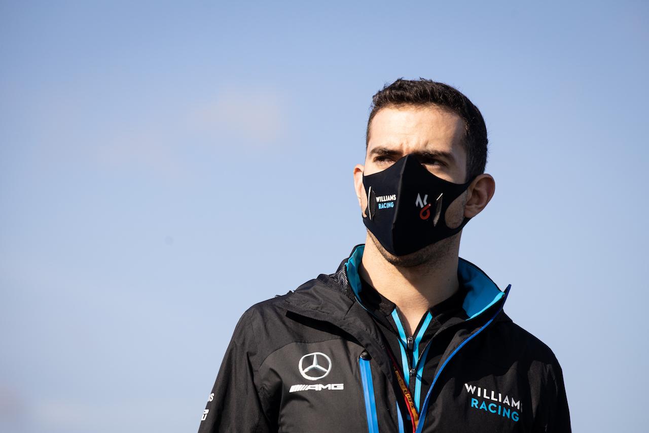 GP TURCHIA, Nicholas Latifi (CDN) Williams Racing walks the circuit. 12.11.2020. Formula 1 World Championship, Rd 14, Turkish Grand Prix, Istanbul, Turkey, Preparation Day. - www.xpbimages.com, EMail: requests@xpbimages.com © Copyright: Bearne / XPB Images