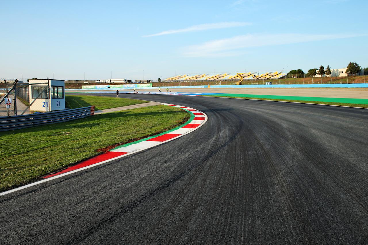 GP TURCHIA, Circuit Atmosfera - Turn 8. 12.11.2020. Formula 1 World Championship, Rd 14, Turkish Grand Prix, Istanbul, Turkey, Preparation Day. - www.xpbimages.com, EMail: requests@xpbimages.com © Copyright: Batchelor / XPB Images