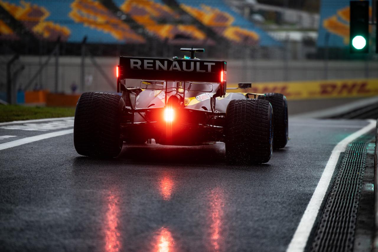 GP TURCHIA, Daniel Ricciardo (AUS) Renault F1 Team RS20. 14.11.2020. Formula 1 World Championship, Rd 14, Turkish Grand Prix, Istanbul, Turkey, Qualifiche Day. - www.xpbimages.com, EMail: requests@xpbimages.com © Copyright: Bearne / XPB Images