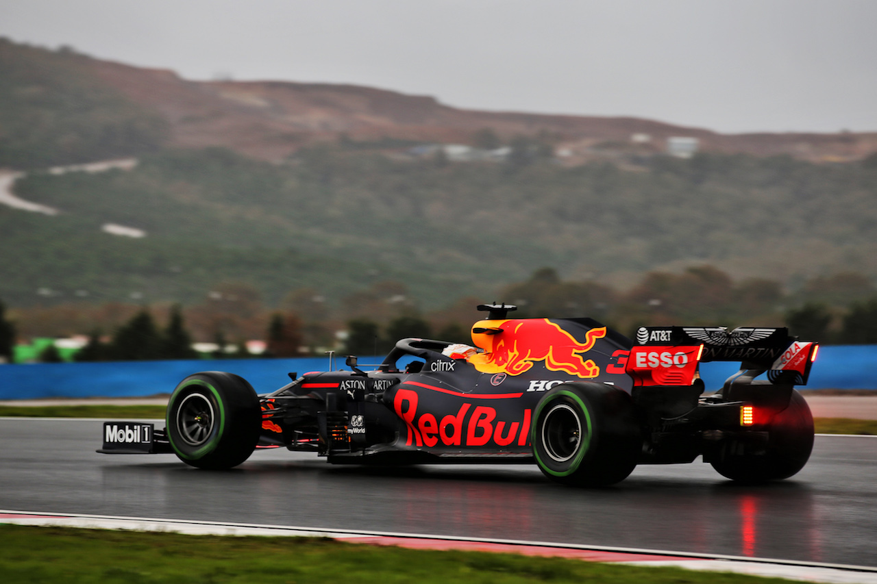 GP TURCHIA, Max Verstappen (NLD) Red Bull Racing RB16. 14.11.2020. Formula 1 World Championship, Rd 14, Turkish Grand Prix, Istanbul, Turkey, Qualifiche Day. - www.xpbimages.com, EMail: requests@xpbimages.com © Copyright: Batchelor / XPB Images