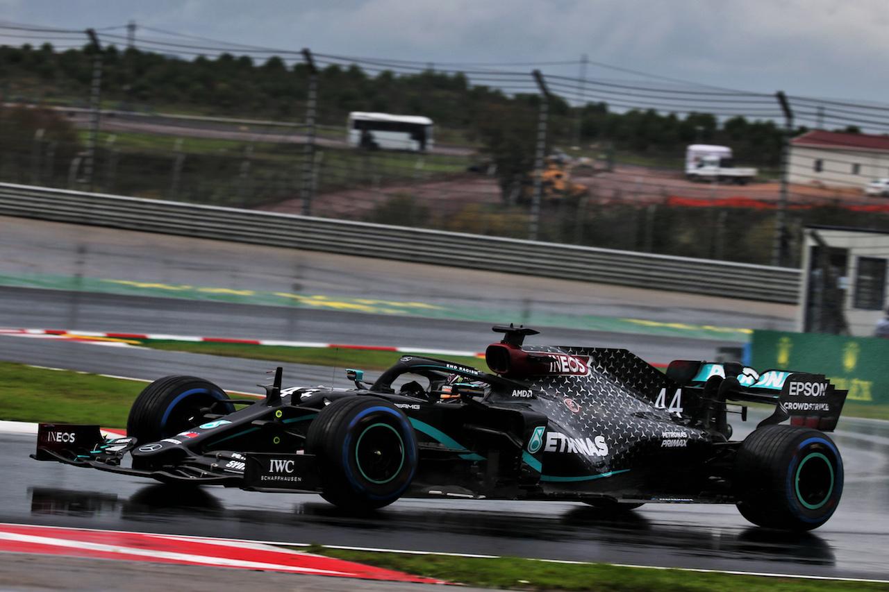 GP TURCHIA, Lewis Hamilton (GBR) Mercedes AMG F1 W11. 14.11.2020. Formula 1 World Championship, Rd 14, Turkish Grand Prix, Istanbul, Turkey, Qualifiche Day. - www.xpbimages.com, EMail: requests@xpbimages.com © Copyright: Batchelor / XPB Images