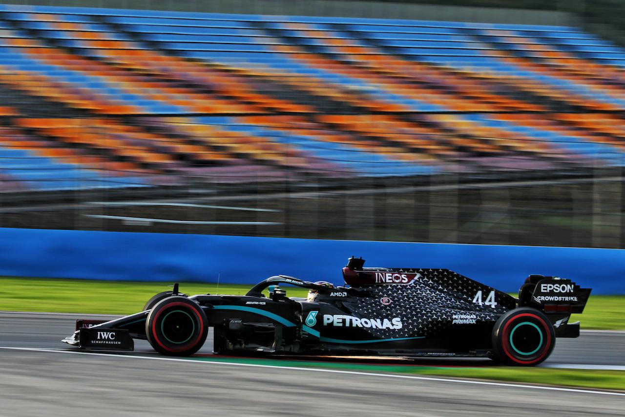 GP TURCHIA, Lewis Hamilton (GBR) Mercedes AMG F1 W11. 13.11.2020 Formula 1 World Championship, Rd 14, Turkish Grand Prix, Istanbul, Turkey, Practice Day. - www.xpbimages.com, EMail: requests@xpbimages.com © Copyright: Batchelor / XPB Images