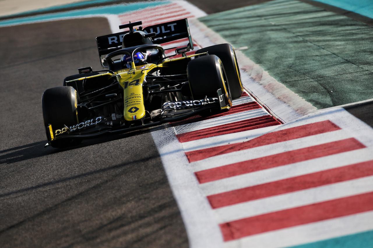 YOUNG DRIVER TEST ABU DHABI, Fernando Alonso (ESP) Renault F1 Team RS20. 15.12.2020. Formula 1 Testing, Yas Marina Circuit, Abu Dhabi, Tuesday. - www.xpbimages.com, EMail: requests@xpbimages.com © Copyright: Batchelor / XPB Images