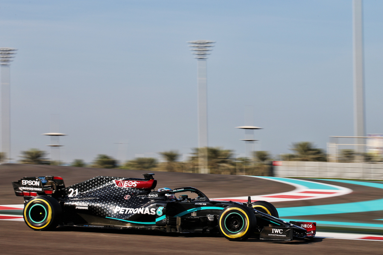 YOUNG DRIVER TEST ABU DHABI, Nyck de Vries (NLD) Mercedes AMG F1 W11 Test Driver. 15.12.2020. Formula 1 Testing, Yas Marina Circuit, Abu Dhabi, Tuesday. - www.xpbimages.com, EMail: requests@xpbimages.com © Copyright: Batchelor / XPB Images