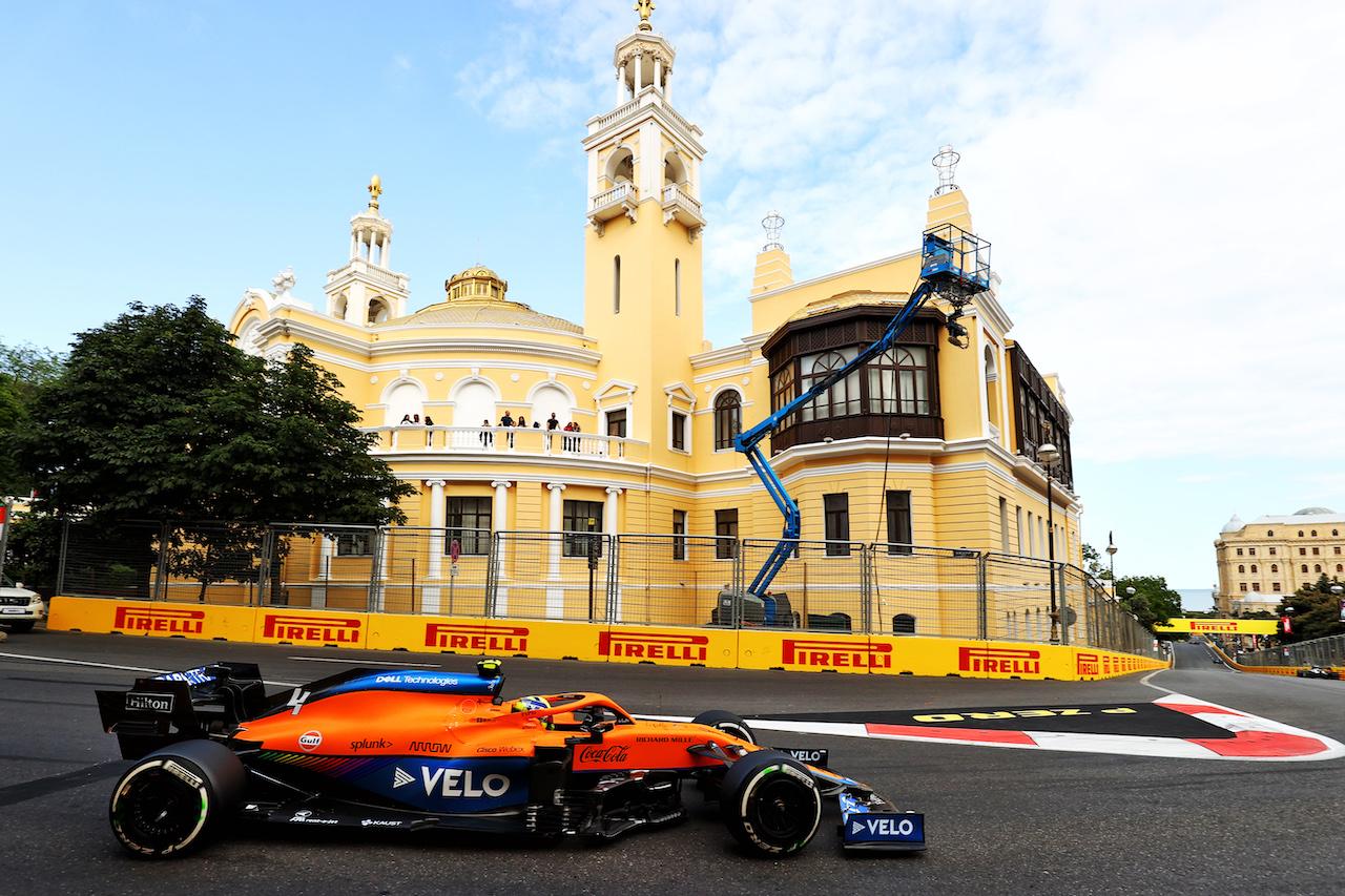 GP AZERBAIJAN, Lando Norris (GBR) McLaren MCL35M. 06.06.2021. Formula 1 World Championship, Rd 6, Azerbaijan Grand Prix, Baku Street Circuit, Azerbaijan, Gara Day. - www.xpbimages.com, EMail: requests@xpbimages.com © Copyright: Moy / XPB Images