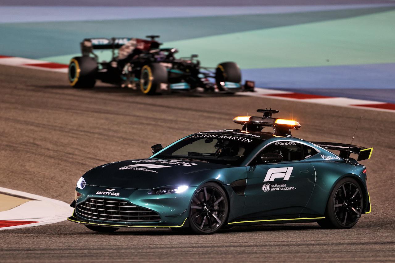 GP BAHRAIN, Lewis Hamilton (GBR) Mercedes AMG F1 W12 behind the Aston Martin FIA Safety Car. 28.03.2021. Formula 1 World Championship, Rd 1, Bahrain Grand Prix, Sakhir, Bahrain, Gara Day. - www.xpbimages.com, EMail: requests@xpbimages.com © Copyright: Charniaux / XPB Images