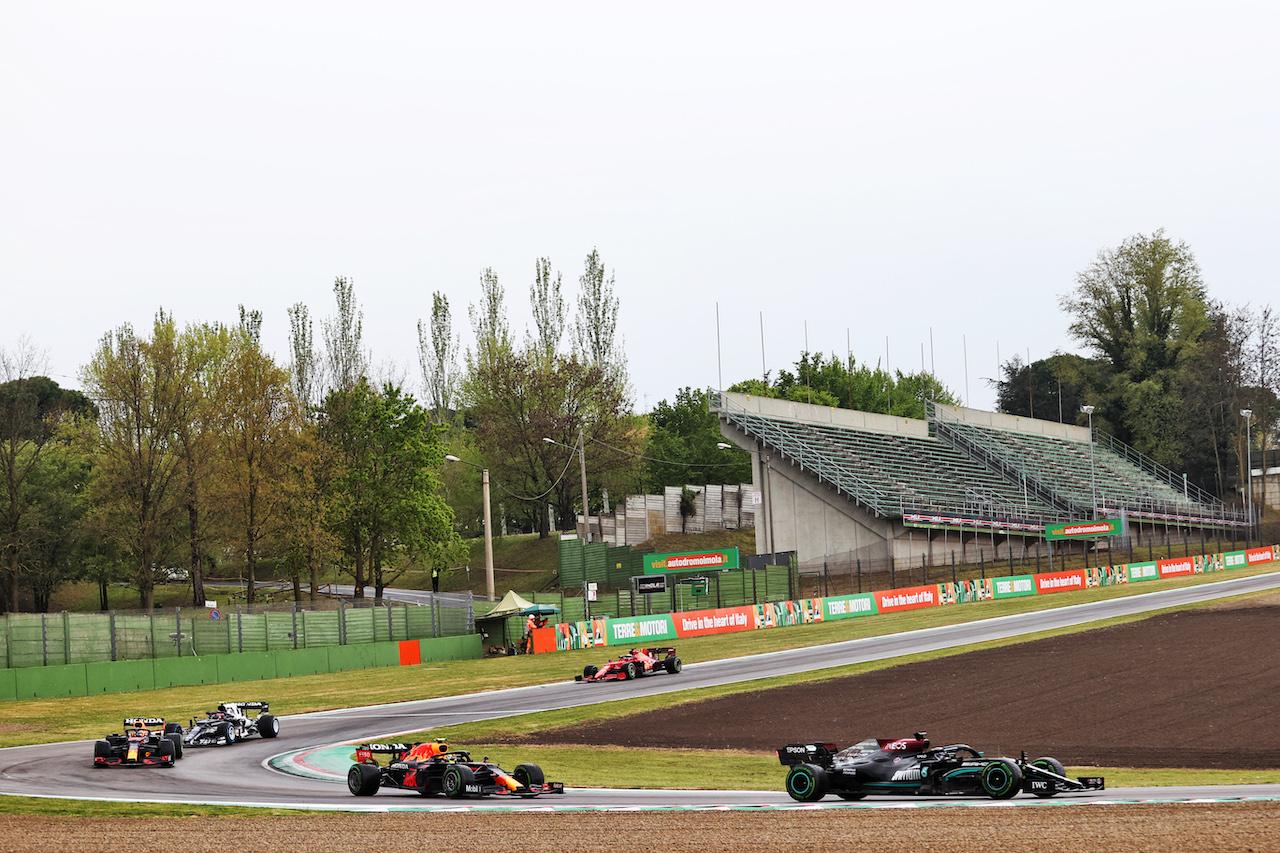 GP IMOLA, Lewis Hamilton (GBR) Mercedes AMG F1 W12. 18.04.2021. Formula 1 World Championship, Rd 2, Emilia Romagna Grand Prix, Imola, Italy, Gara Day. - www.xpbimages.com, EMail: requests@xpbimages.com © Copyright: Charniaux / XPB Images
