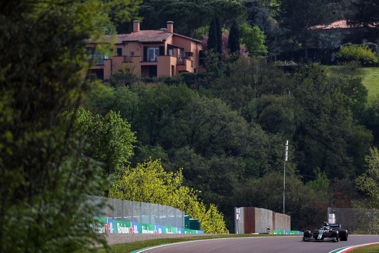 GP IMOLA, Sebastian Vettel (GER), Aston Martin F1 Team 16.04.2021. Formula 1 World Championship, Rd 2, Emilia Romagna Grand Prix, Imola, Italy, Practice Day.- www.xpbimages.com, EMail: requests@xpbimages.com © Copyright: Charniaux / XPB Images