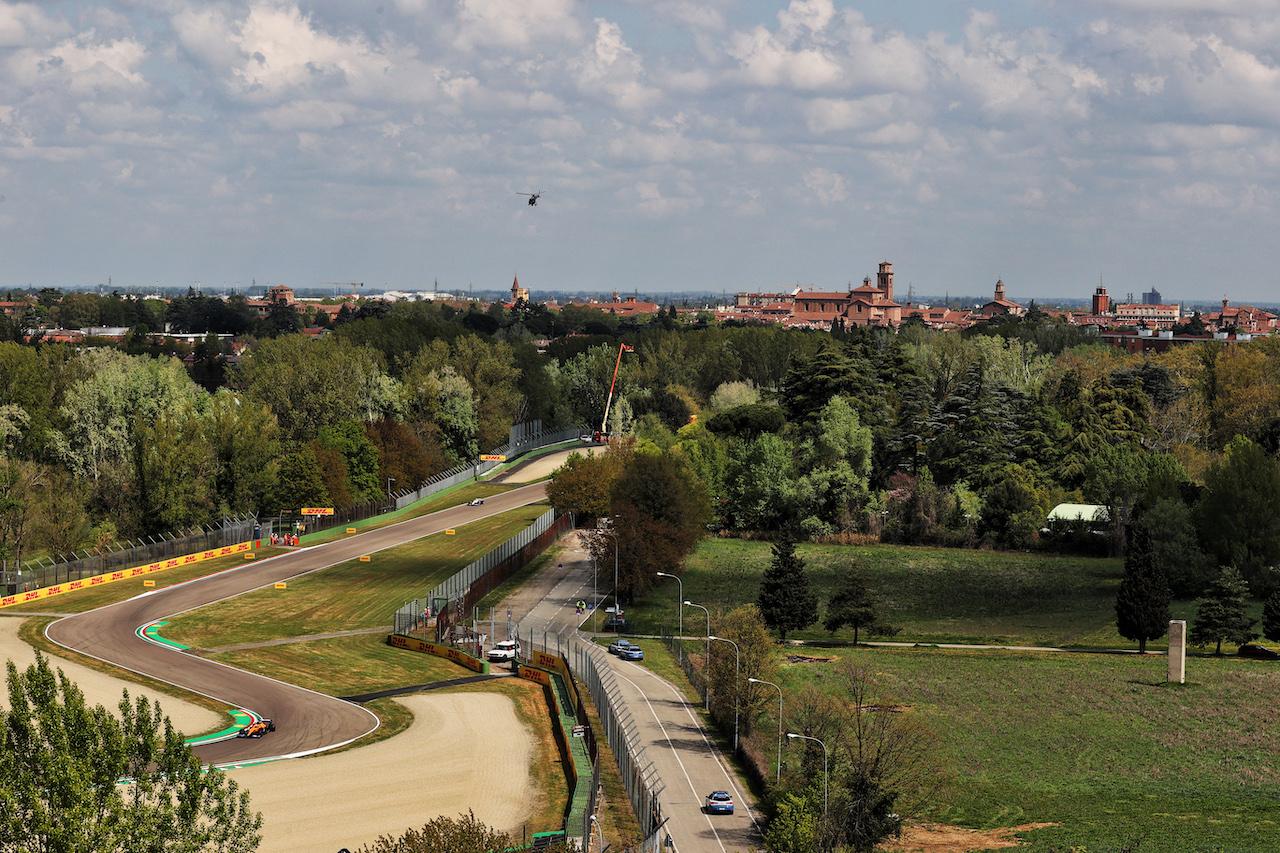 GP IMOLA, Lando Norris (GBR) McLaren MCL35M. 16.04.2021. Formula 1 World Championship, Rd 2, Emilia Romagna Grand Prix, Imola, Italy, Practice Day. - www.xpbimages.com, EMail: requests@xpbimages.com © Copyright: Batchelor / XPB Images
