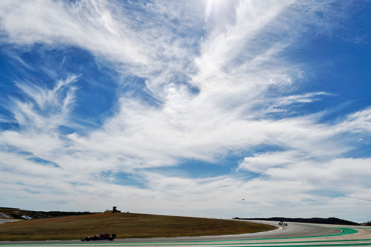 GP PORTOGALLO, Daniel Ricciardo (AUS) McLaren MCL35M. 02.05.2021. Formula 1 World Championship, Rd 3, Portuguese Grand Prix, Portimao, Portugal, Gara Day.  - www.xpbimages.com, EMail: requests@xpbimages.com © Copyright: Staley / XPB Images
