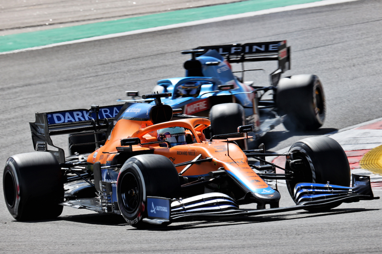 GP PORTOGALLO, Daniel Ricciardo (AUS) McLaren MCL35M. 02.05.2021. Formula 1 World Championship, Rd 3, Portuguese Grand Prix, Portimao, Portugal, Gara Day. - www.xpbimages.com, EMail: requests@xpbimages.com © Copyright: Batchelor / XPB Images