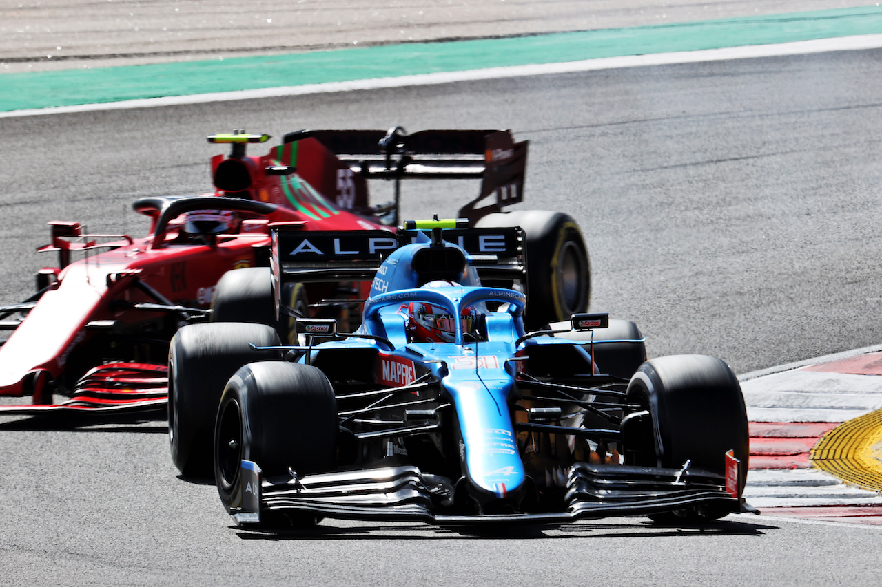 GP PORTOGALLO, Esteban Ocon (FRA) Alpine F1 Team A521. 02.05.2021. Formula 1 World Championship, Rd 3, Portuguese Grand Prix, Portimao, Portugal, Gara Day. - www.xpbimages.com, EMail: requests@xpbimages.com © Copyright: Batchelor / XPB Images
