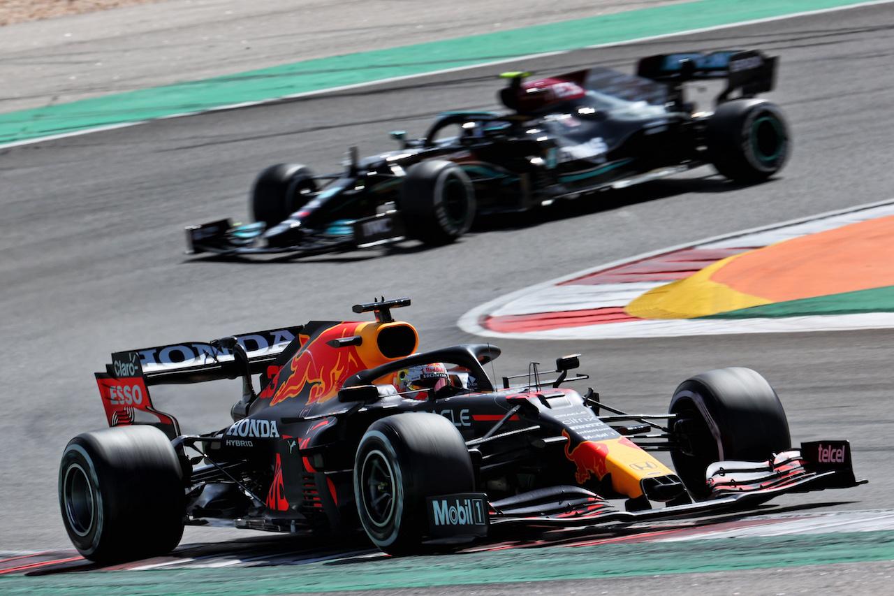 GP PORTOGALLO, Max Verstappen (NLD) Red Bull Racing RB16B. 02.05.2021. Formula 1 World Championship, Rd 3, Portuguese Grand Prix, Portimao, Portugal, Gara Day. - www.xpbimages.com, EMail: requests@xpbimages.com © Copyright: Batchelor / XPB Images