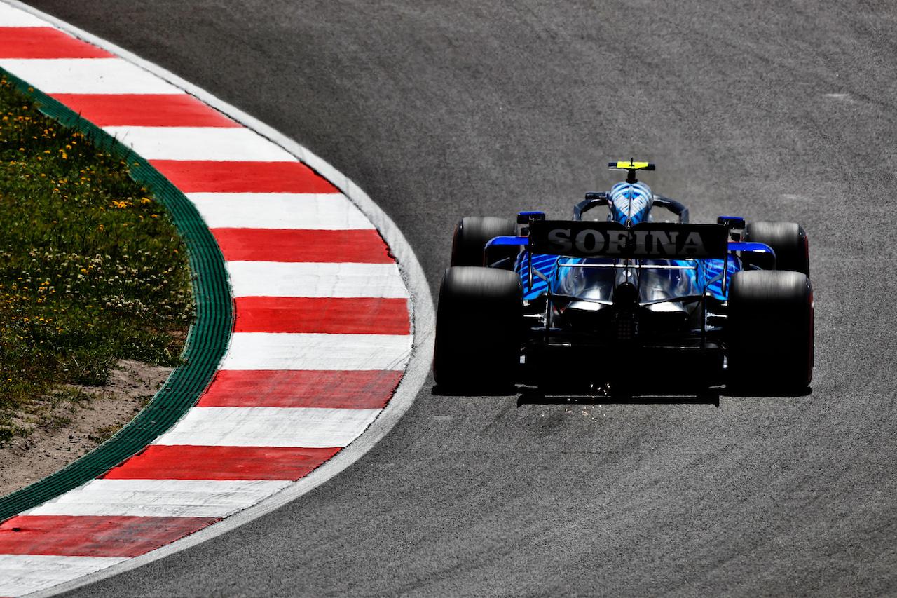 GP PORTOGALLO, Nicholas Latifi (CDN) Williams Racing FW43B. 30.04.2021. Formula 1 World Championship, Rd 3, Portuguese Grand Prix, Portimao, Portugal, Practice Day.  - www.xpbimages.com, EMail: requests@xpbimages.com © Copyright: Staley / XPB Images