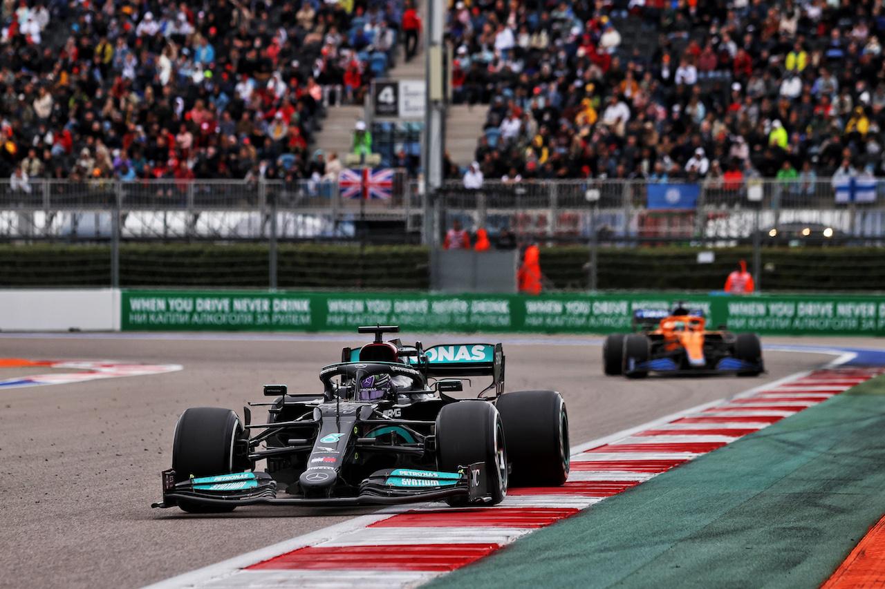 GP RUSSIA, Lewis Hamilton (GBR) Mercedes AMG F1 W12. 26.09.2021. Formula 1 World Championship, Rd 15, Russian Grand Prix, Sochi Autodrom, Sochi, Russia, Gara Day. - www.xpbimages.com, EMail: requests@xpbimages.com © Copyright: Moy / XPB Images