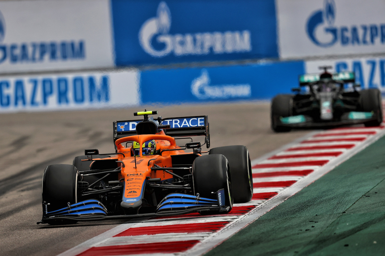GP RUSSIA, Lando Norris (GBR) McLaren MCL35M. 26.09.2021. Formula 1 World Championship, Rd 15, Russian Grand Prix, Sochi Autodrom, Sochi, Russia, Gara Day. - www.xpbimages.com, EMail: requests@xpbimages.com © Copyright: Moy / XPB Images