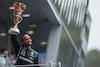 GP RUSSIA, Gara winner Lewis Hamilton (GBR) Mercedes AMG F1 celebrates on the podium. 26.09.2021. Formula 1 World Championship, Rd 15, Russian Grand Prix, Sochi Autodrom, Sochi, Russia, Gara Day. - www.xpbimages.com, EMail: requests@xpbimages.com © Copyright: Bearne / XPB Images