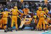 GP RUSSIA, Daniel Ricciardo (AUS) McLaren MCL35M makes a pit stop. 26.09.2021. Formula 1 World Championship, Rd 15, Russian Grand Prix, Sochi Autodrom, Sochi, Russia, Gara Day. - www.xpbimages.com, EMail: requests@xpbimages.com © Copyright: Charniaux / XPB Images