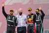 GP STIRIA, Lewis Hamilton (GBR), Mercedes AMG F1, Max Verstappen (NLD), Red Bull Racing e Valtteri Bottas (FIN), Mercedes AMG F1 27.06.2021. Formula 1 World Championship, Rd 8, Steiermark Grand Prix, Spielberg, Austria, Gara Day.- www.xpbimages.com, EMail: requests@xpbimages.com © Copyright: Charniaux / XPB Images