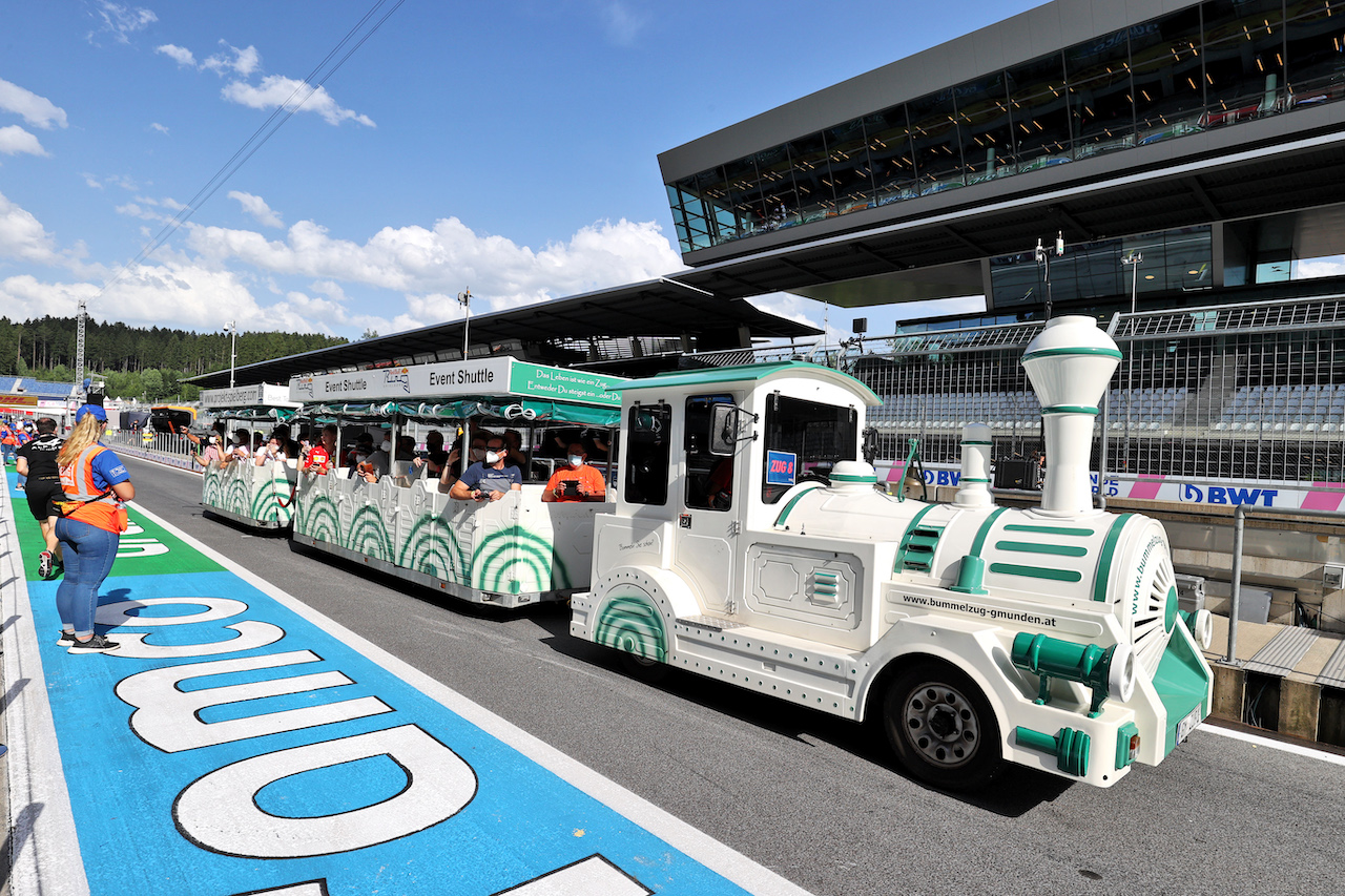 GP STIRIA, Circuit Atmosfera - pit lane train for three day ticket holders. 24.06.2021. Formula 1 World Championship, Rd 8, Steiermark Grand Prix, Spielberg, Austria, Preparation Day. - www.xpbimages.com, EMail: requests@xpbimages.com © Copyright: Moy / XPB Images