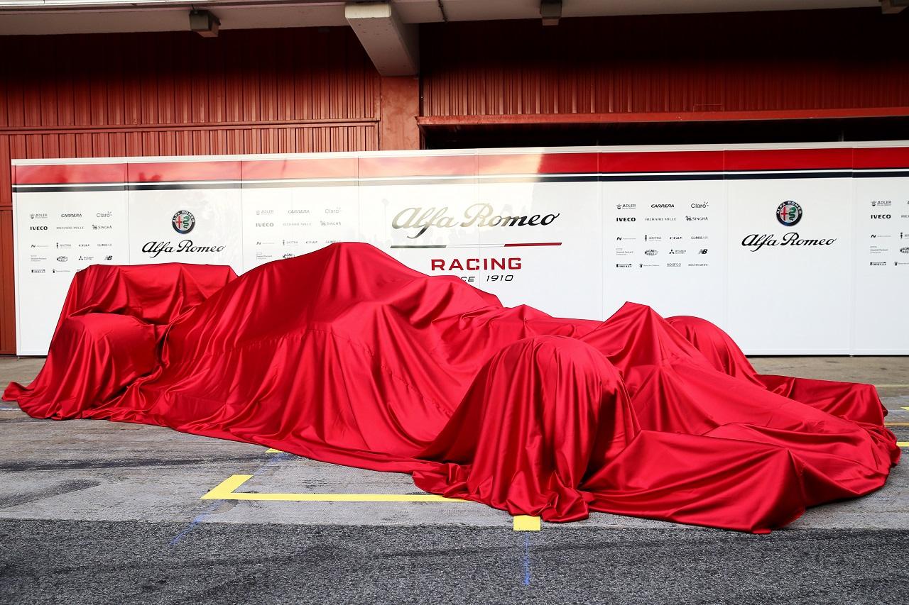 The new Alfa Romeo Racing car under wraps. 18.02.2019.