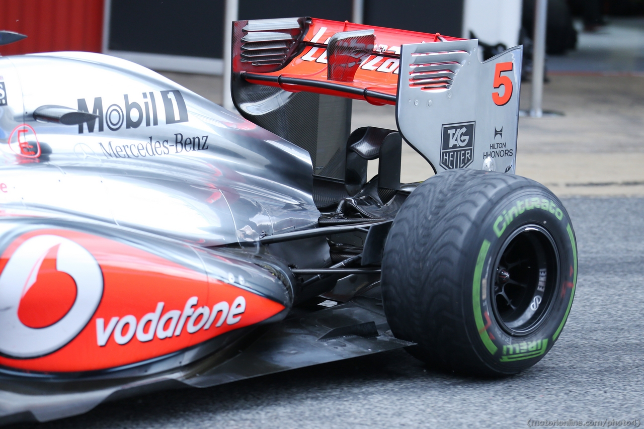 McLaren MP4-28 rear wing and rear suspension. 01.03.2013.