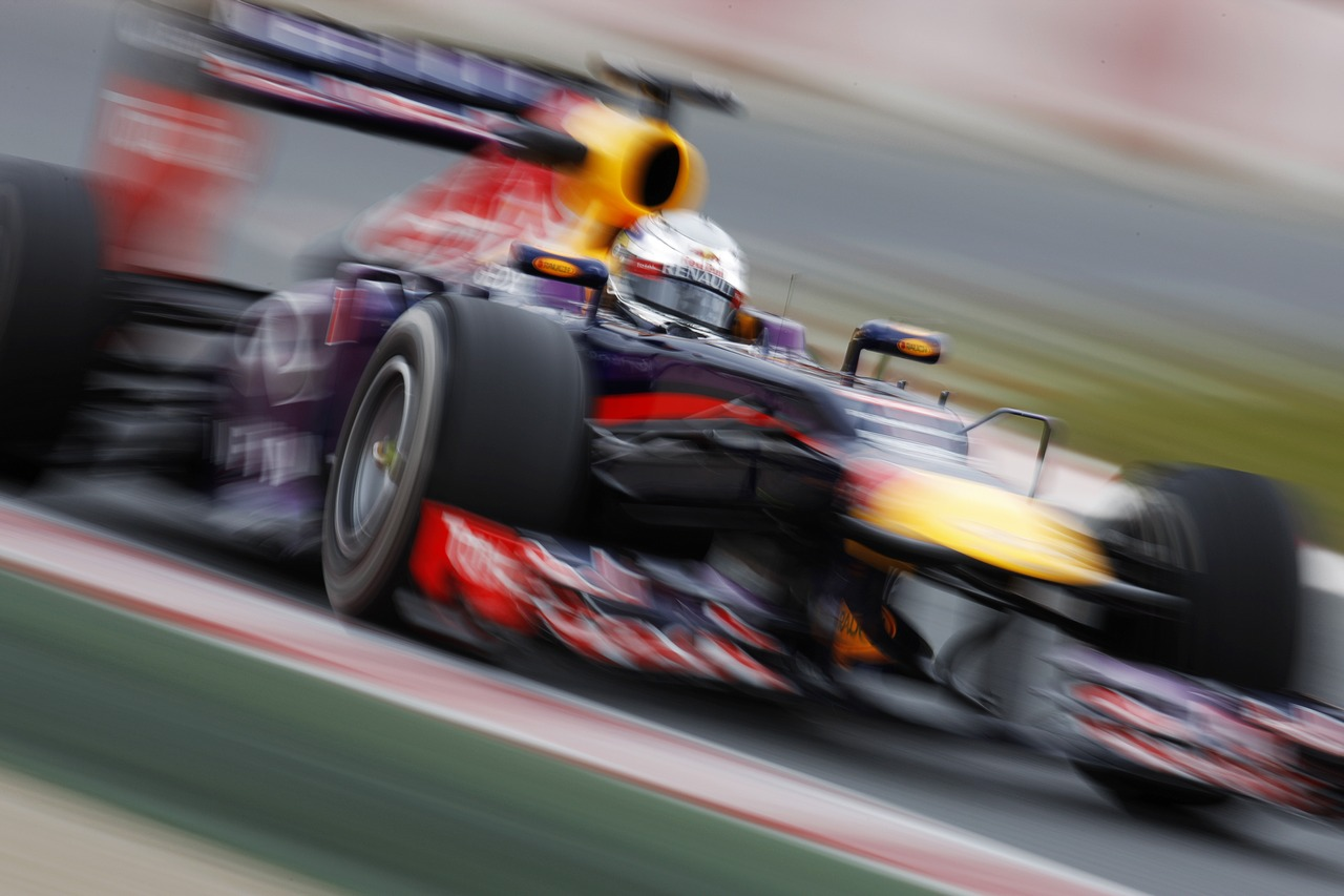 Sebastian Vettel (GER) Red Bull Racing RB9.