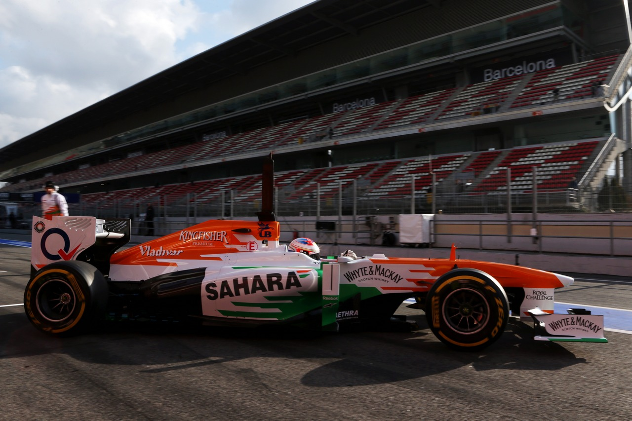 Paul di Resta (GBR) Sahara Force India VJM06 leaves the pits.