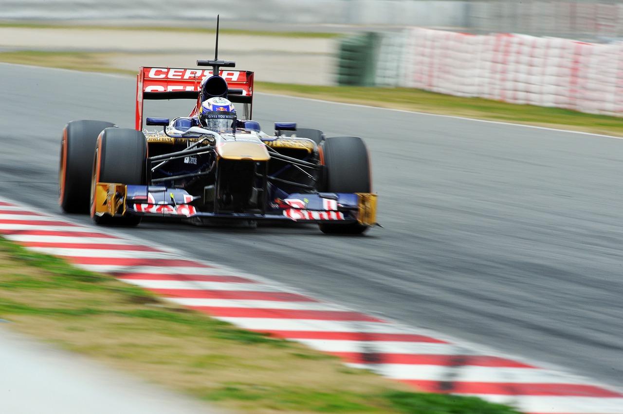 Daniel Ricciardo (AUS) Scuderia Toro Rosso STR8.