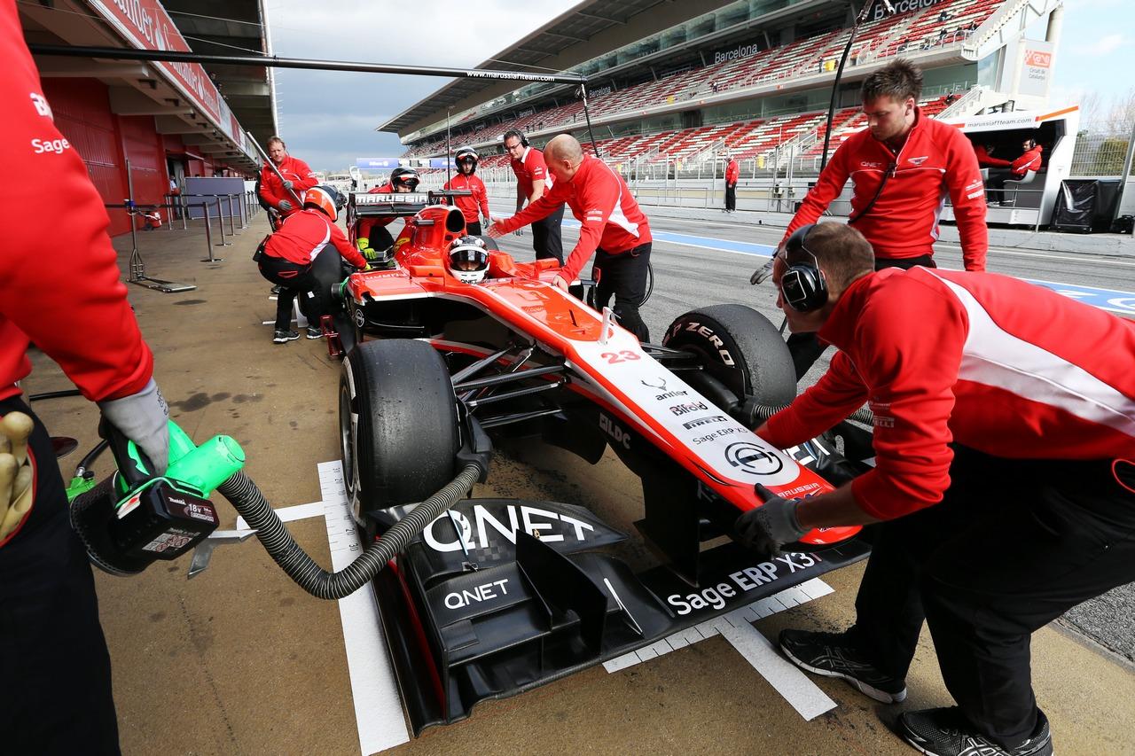 Max Chilton (GBR) Marussia F1 Team MR02 in the pits.