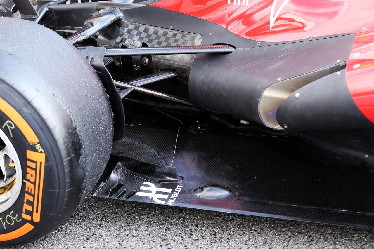 Ferrari F138 exhaust and rear suspension.