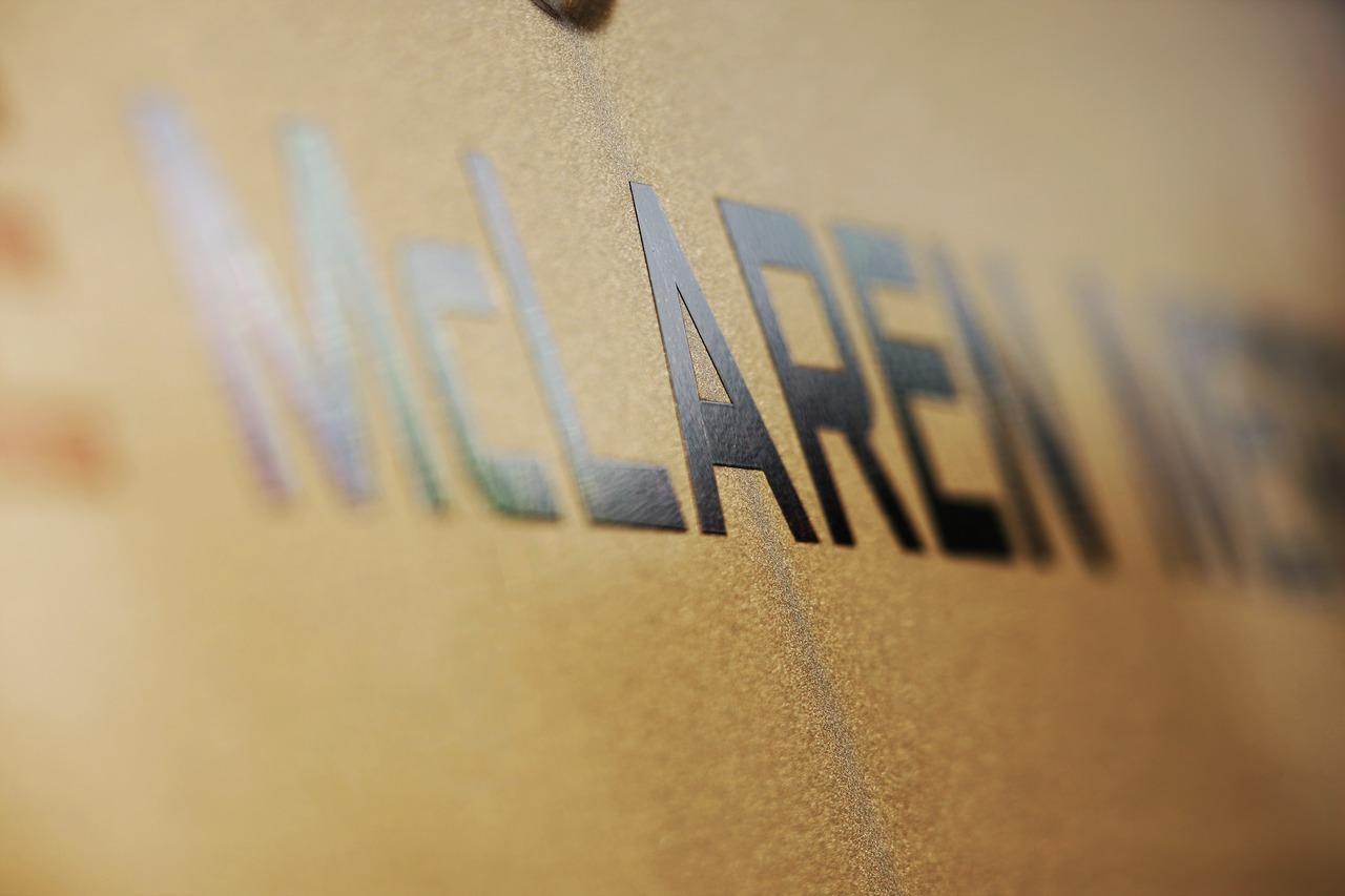 McLaren badge.