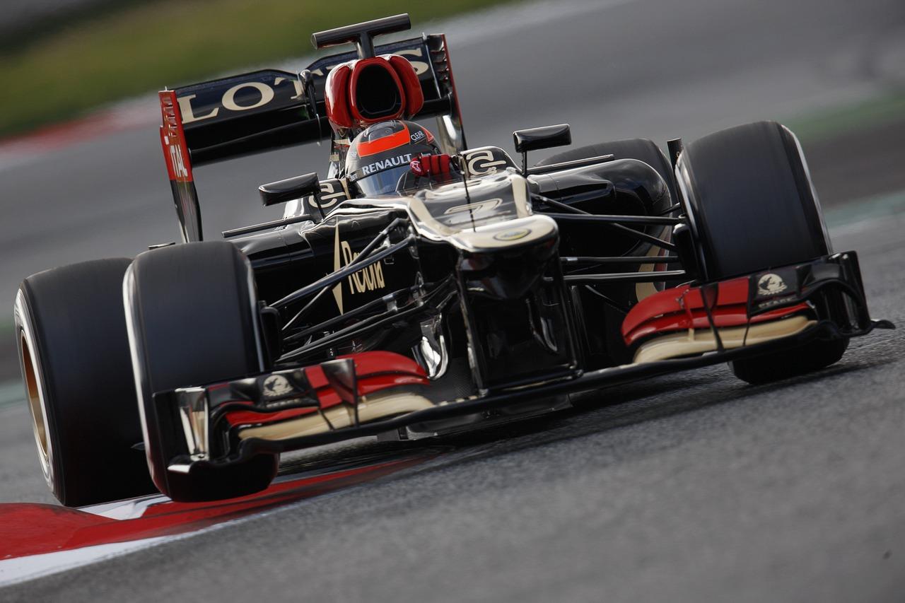 Kimi Raikkonen (FIN) Lotus F1 E21.