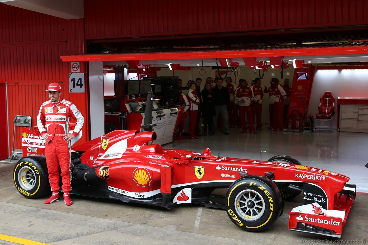 Fernando Alonso (ESP) Ferrari with the Ferrari F138.