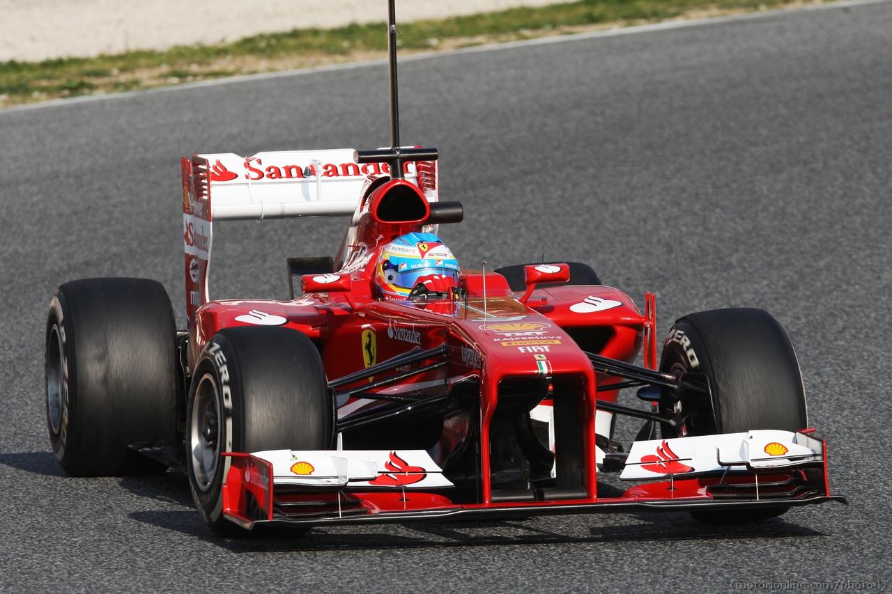 Fernando Alonso (ESP) Ferrari F138.