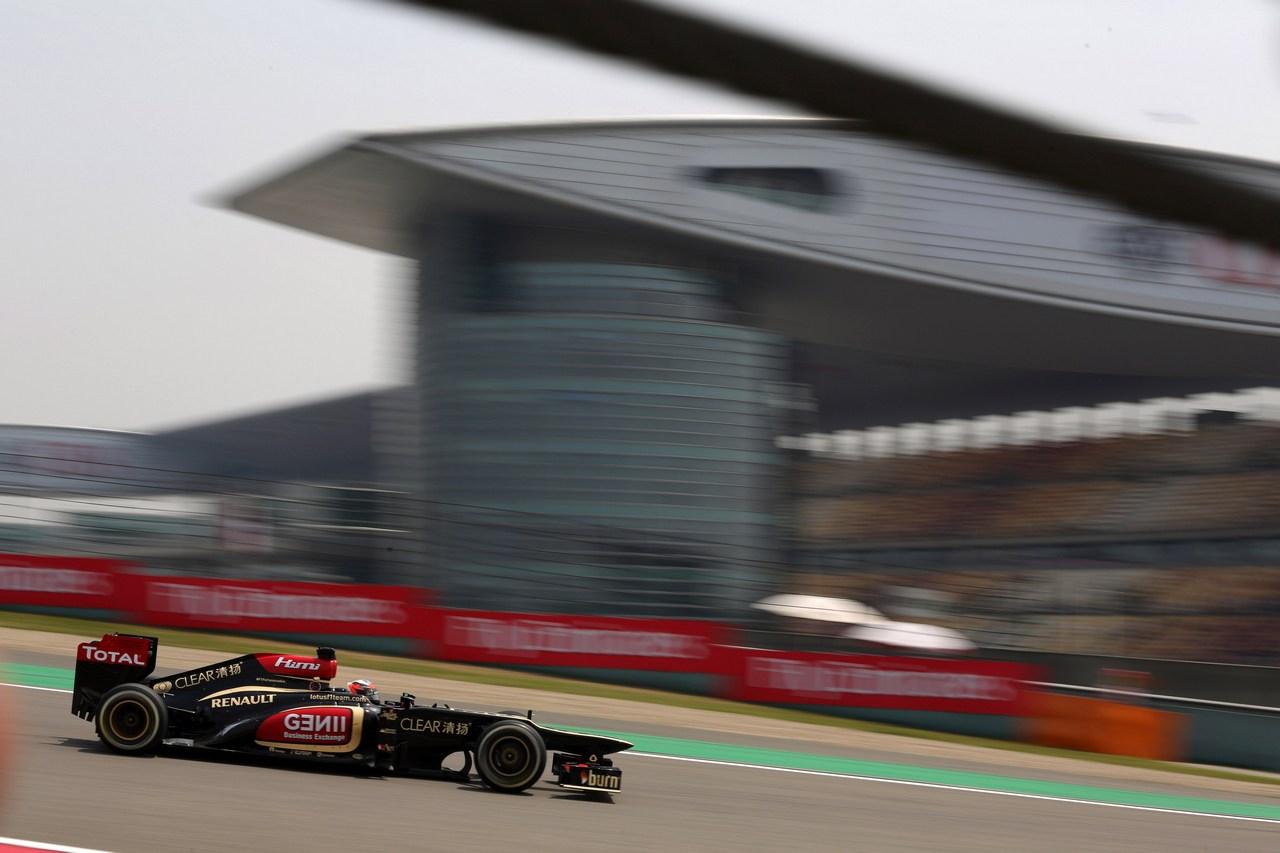 12.04.2013- Free Practice 1, Kimi Raikkonen (FIN) Lotus F1 Team E21