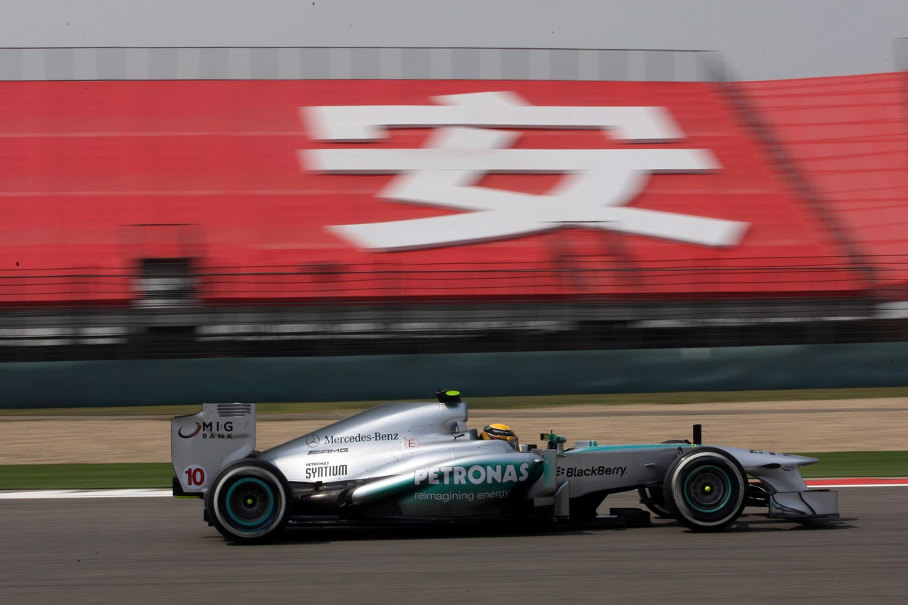 12.04.2013- Free Practice 1, Lewis Hamilton (GBR) Mercedes AMG F1 W04