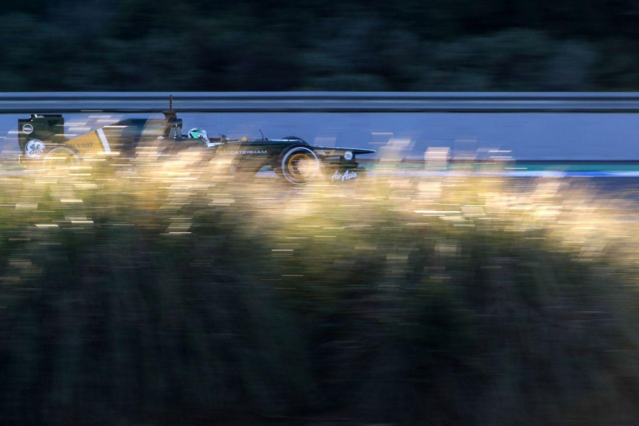 08.02.2012 Jerez, Spain, Heikki Kovalainen (FIN), Caterham F1 Team   - Formula 1 Testing, day 1 - Formula 1 World Championship