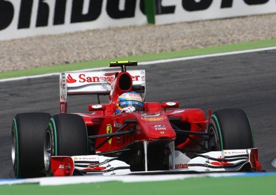 GP Germania, doppietta Ferrari: vince Alonso con un ordine di scuderia davanti a Massa