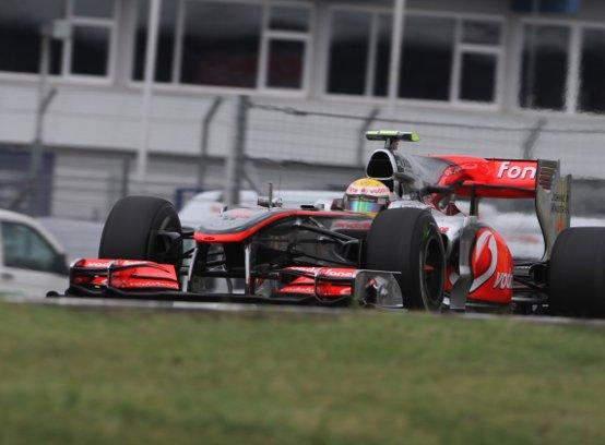 Hamilton: McLaren troppo lenta
