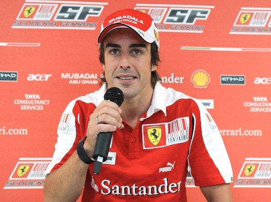 Fernando Alonso: Una gara in pista, una gara in fabbrica